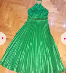 Nov svecen fustan 💚
