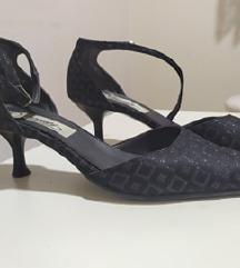Свечени сандали црни срмени детали ремче