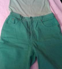 kratki farmerski pantaloni  akcija 2 za  100