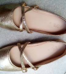 Златни балетанки