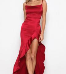Svecen dolg fustan