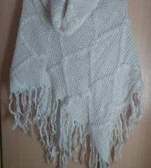 Ponco pleteno belo