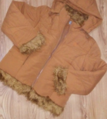 Намалена НОВА јакна со крзно