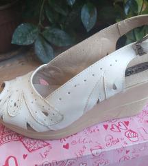 Kozni.beli sandali