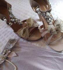 Sandali i korset