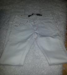 beli Stradvarius pantoloni