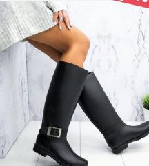 Гумени чизми