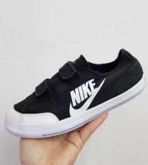 Nike platneni patiki kako starki br 34 kako novi