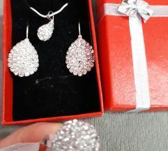 Nov srebren nakit vo set so zig