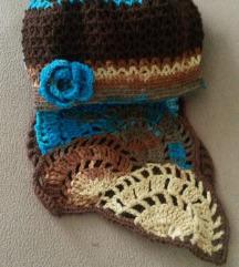 плетена капа и шал