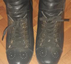 Кратки чизмички