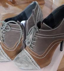 Чевли 37број по цена од 450денари