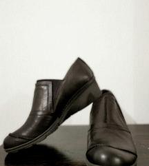 Khrio нови чевли