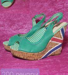 Летни сандали со полна пета