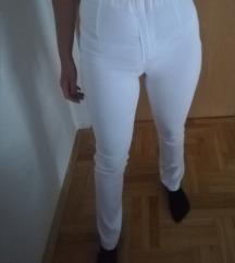 Skroz novi beli pantaloni