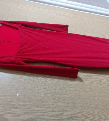 Црвен фустан од Нана