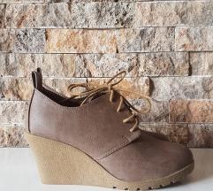 Нови есенски чевли