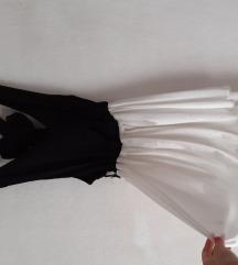 Фустанче со гол грб
