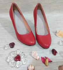 Црвени удобни штикли