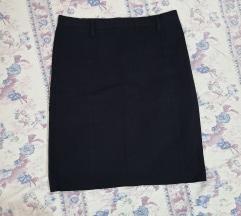 Crna klasicna suknja kako nova
