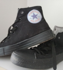 Converse (ne se original)