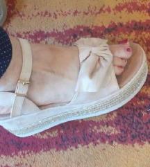 Novi sandali br.38