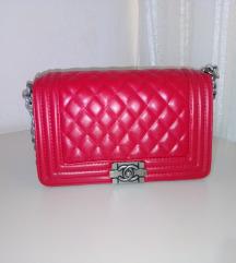 Chanel crvena tasna