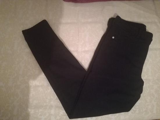 Bershka - црни пантолони - намалени