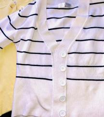 Две џемперчиња во бела и жолта боја