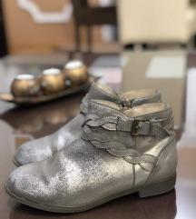 H&M br 33 metalik nova kolekcija