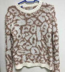 Интересен дебел џемпер