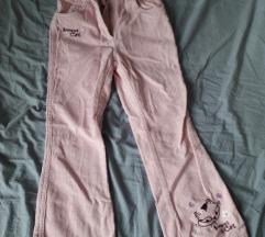 Pantaloncinja so mace