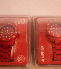 Последна кутија црвен часовник