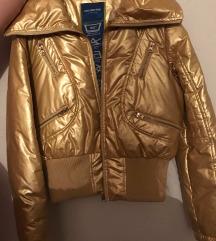 Zlatna jakna nova