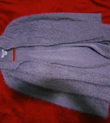 Долг сив џемпер со конци/крзно и појас