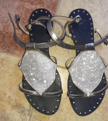 BATA sandali so cirkoni br.37
