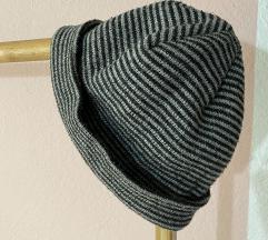 Плетено капче