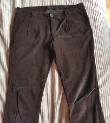 AMISU ubavi pantaloni 40