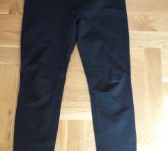 Crni pantaloni helanki