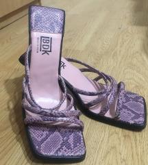 Salonki sandali
