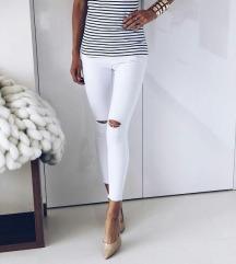 NOVI pantaloni beli