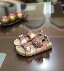 H&M premium quality sandali br 28