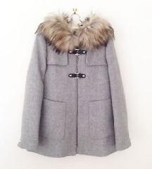 Zara капут M со крзно намален!