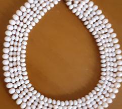 Rozeva ogrlica