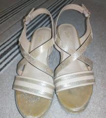 Safran sandali