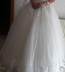 Nevestinski bel fustan