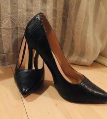 Преубави кожни штикли нови