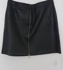Продавам црна сукња