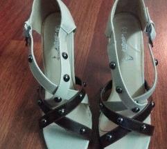 Novi ( ne noseni ) stikli -sandali italijanski
