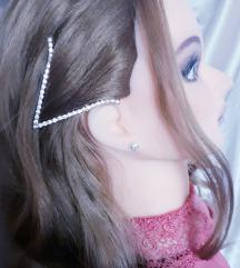 шнола за коса со вештачки камчиња